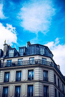 Haus in Paris - p988m887541 von Rachel Rebibo