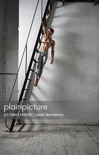 p1139m1195049 by Julien Benhamou