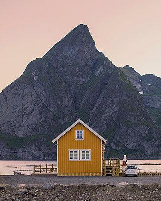 Haus auf den Lofoten - p1507m2028278 von Emma Grann