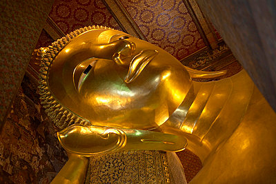 Buddhastatue in Thailand - p6060066 von Iris Friedrich