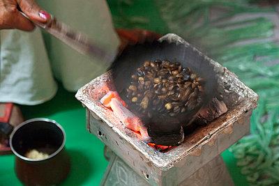 Coffee beans - p631m913001 by Franck Beloncle