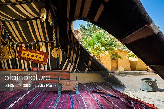 Interior of traditional Arabic Bedouin tent, Bait Ali Camp, Wadi Rum, Aqaba, Jordan - p343m2010853 by Leslie Parrott