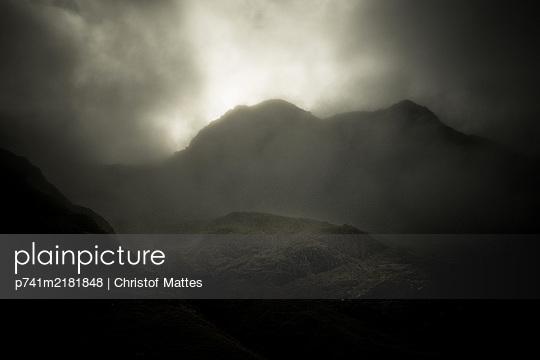 p741m2181848 by Christof Mattes