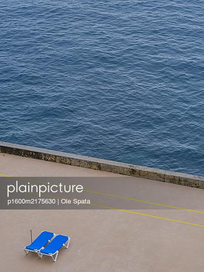 Portugal, Funchal, Madeira, Sonnenliegen - p1600m2175630 von Ole Spata