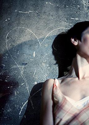 Frau mit Liebeskummer - p4320373 von mia takahara