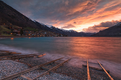 Lakeshore at sunrise, Interlaken, Bern Canton, Switzerland - p343m2010970 by Nestor Rodan photography