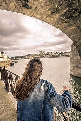 Under the Bridge - p1402m2064498 by Jerome Paressant
