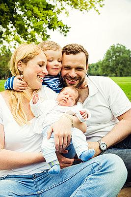 Familienportrait - p904m1159680 von Stefanie Päffgen