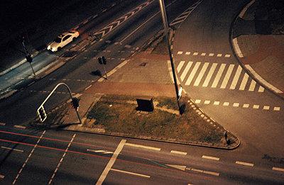 Straßenabzweigung aus der Luft - p0190004 von Hartmut Gerbsch