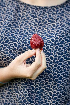 Erdbeere - p1124m1480990 von Willing-Holtz