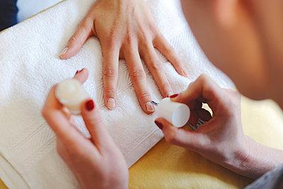 Manicure - p1167m962794 by Maria Schiffer