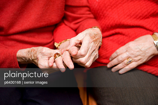 Elderly care - p6430168 by senior images