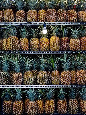 Ananas - p907m2209819 von Anna Fritsch