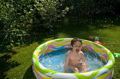 Paddling-pool - p1311m1143991 by Stefanie Lange