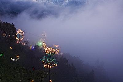 Mont Serrate zur Weihnachtszeit  - p1330m1170981 von Caterina Rancho