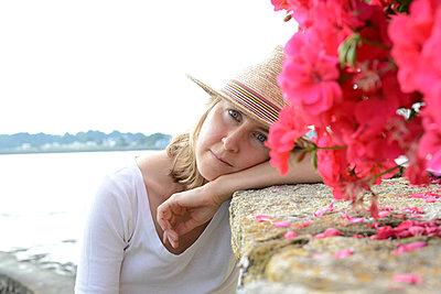 Portrait of a woman - p1631m2211236 by Raphaël Lorand