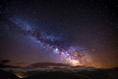 Spain, Ourense, night shot with stars and milky way in winter - p300m1120662f by Maria Elena Pueyo Ruiz
