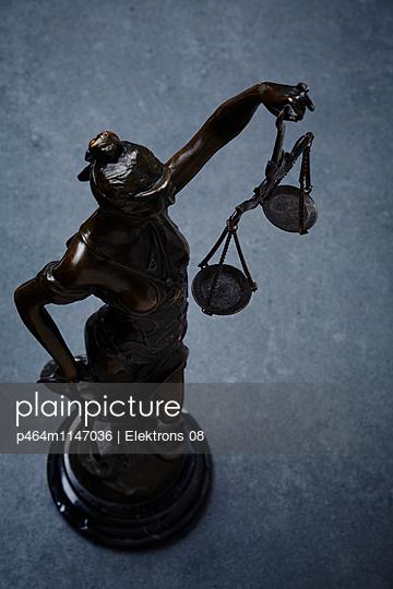 Justitia - p464m1147036 von Elektrons 08