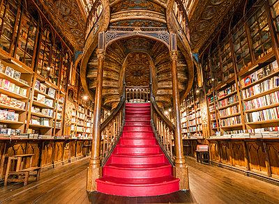 Portugal, Norte region, Porto (Oporto). Lello Bookstore (Livraria Lello) and its famous forked staircase. - p651m2033071 by Marco Bottigelli