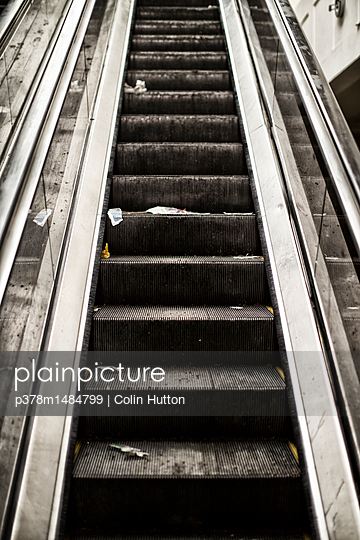 Dirty escalator - p378m1484799 by Colin Hutton
