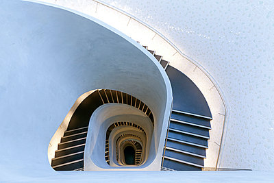 Spiral staircase, Building 7, University of Technology, Sydney, Australia. - p855m1127729 by Andrew Worssam