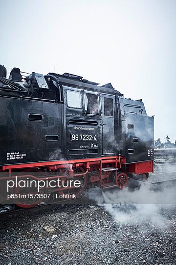 Alte Lokomotive Harzer Schmalspurbahn - p851m1573507 von Lohfink