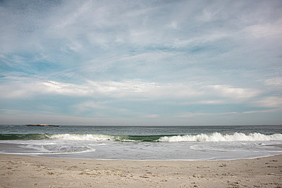 Surf - p1640m2268695 by Holly & John