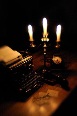 Arbeitsplatz eines Schriftstellers - p8290100 von Régis Domergue