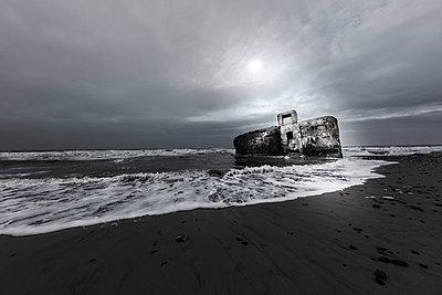 Bunker - p710m2054474 von JH