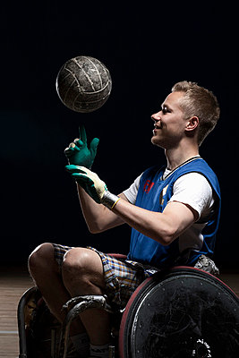 Para rugby player in wheelchair - p42914882f by Thomas Busk