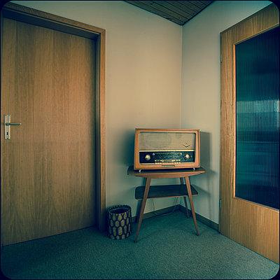 Altes Radio - p230m2152685 von Peter Franck