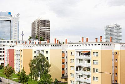 Urban Neighbourhood - p606m822701 by Iris Friedrich