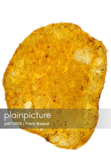 Close-up of a potato chip - p4010605 by Frank Baquet