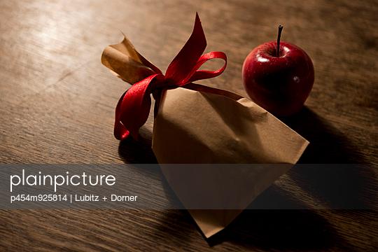 Einfach schenken - p454m925814 von Lubitz + Dorner