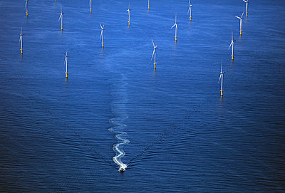 Windfarm - p1016m1515091 by Jochen Knobloch