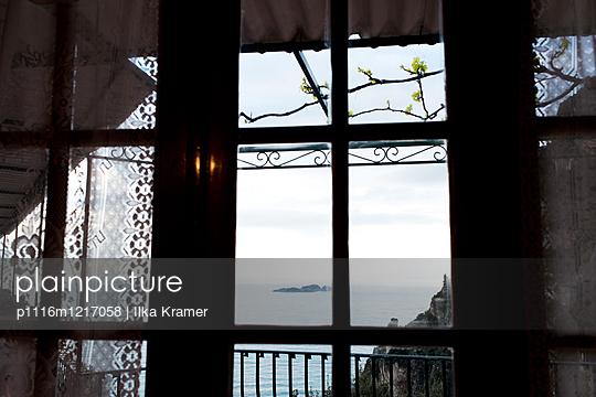 Ausblick in Neapel - p1116m1217058 von Ilka Kramer
