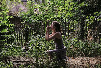 Calling bird - p1307m1445255 by Agnès Deschamps
