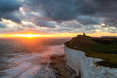 Belle Tout lighthouse, Beachy Head, Eastbourne, East Sussex, England, UK - p651m2152291 by Andrea Comi