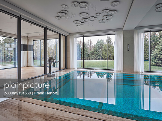 Indoor swimming pool - p390m2191560 by Frank Herfort