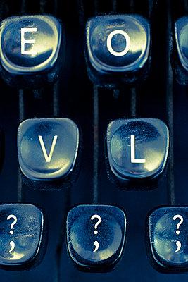 Typewriter keys spelling LOVE - p1228m1488530 by Benjamin Harte