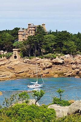 Chateau de Costaérès - p606m970610 von Iris Friedrich