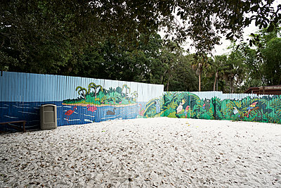 Graffiti fence - p850m2076357 by FRABO