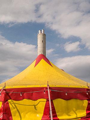 Kleines Zirkuszelt - p1021m2020381 von MORA