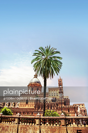 Palermo - p1038m1065610 by BlueHouseProject