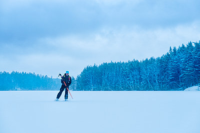 Man long-distance skating - p312m1103929f by Hans Berggren