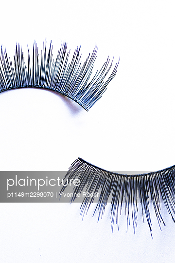 Fake lashes - p1149m2298070 by Yvonne Röder