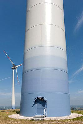 Eingang in ein Windrad - p1079m881291 von Ulrich Mertens