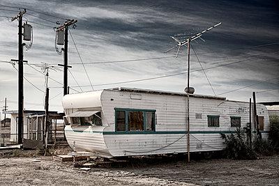 trailer  - p1553m2125691 by matthieu grospiron