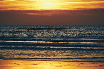 Strand bei Sonnenuntergang, Sankt Peter-Ording - p1696m2296511 von Alexander Schönberg