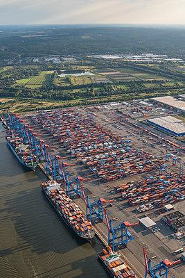 Deutschland, Hamburg, Luftbild Container Terminal Altenwerder - p300m1228658 by Patrice von Collani
